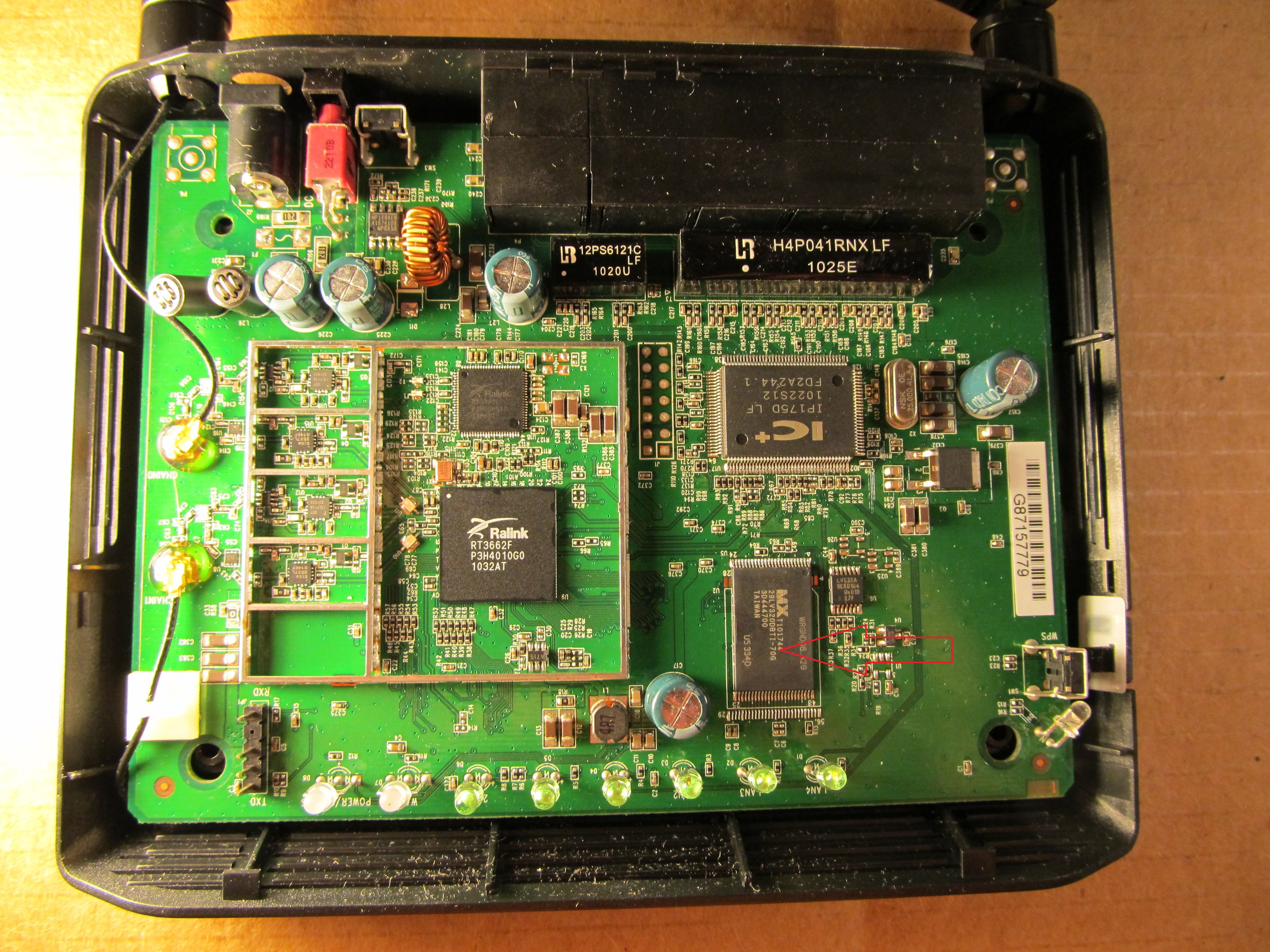 D-Link_DIR-815_A1_board_top.jpg